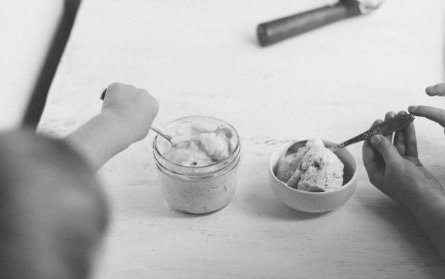 no-churn rhubarb ice cream | the vanilla bean blog