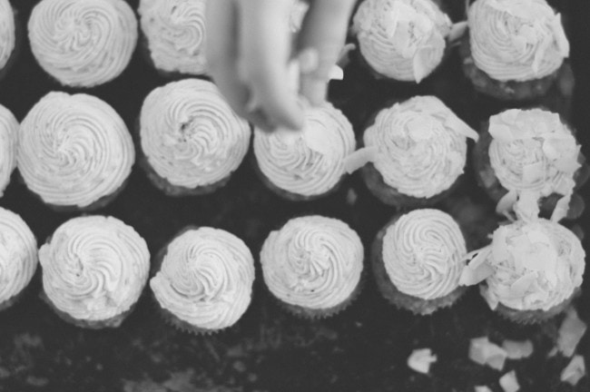 coconut cupcakes | the vanilla bean blog