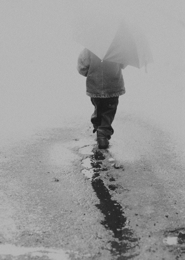 snow umbrellas | the vanilla bean blog
