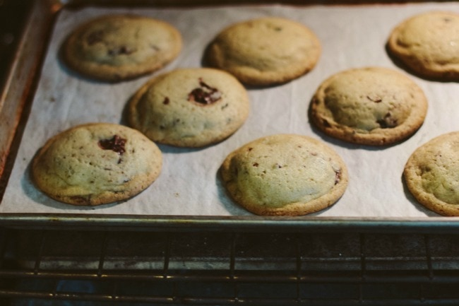 chocolate chip cookies | the vanilla bean blog