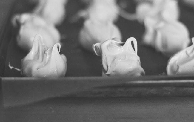meringues with rhubarb curd   the vanilla bean blog