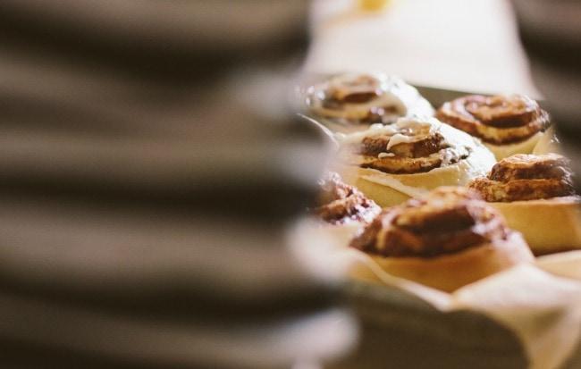 cinnamon rolls + a giveaway | the vanilla bean blog