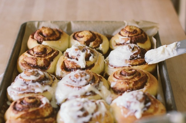 cinnamon rolls + a giveaway | the vanilla bean blog