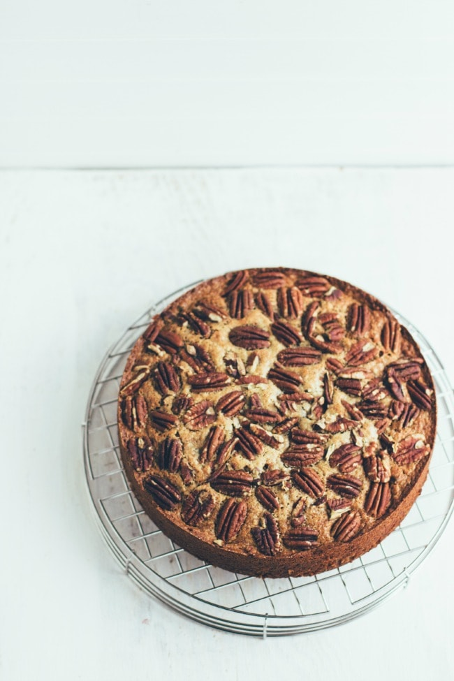 banana pecan quinoa cake | the vanilla bean blog