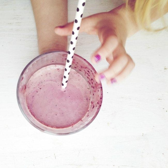 simple breakfast smoothie | the vanilla bean blog