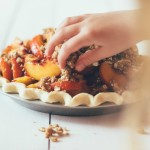 peach crumble pie | the vanilla bean blog