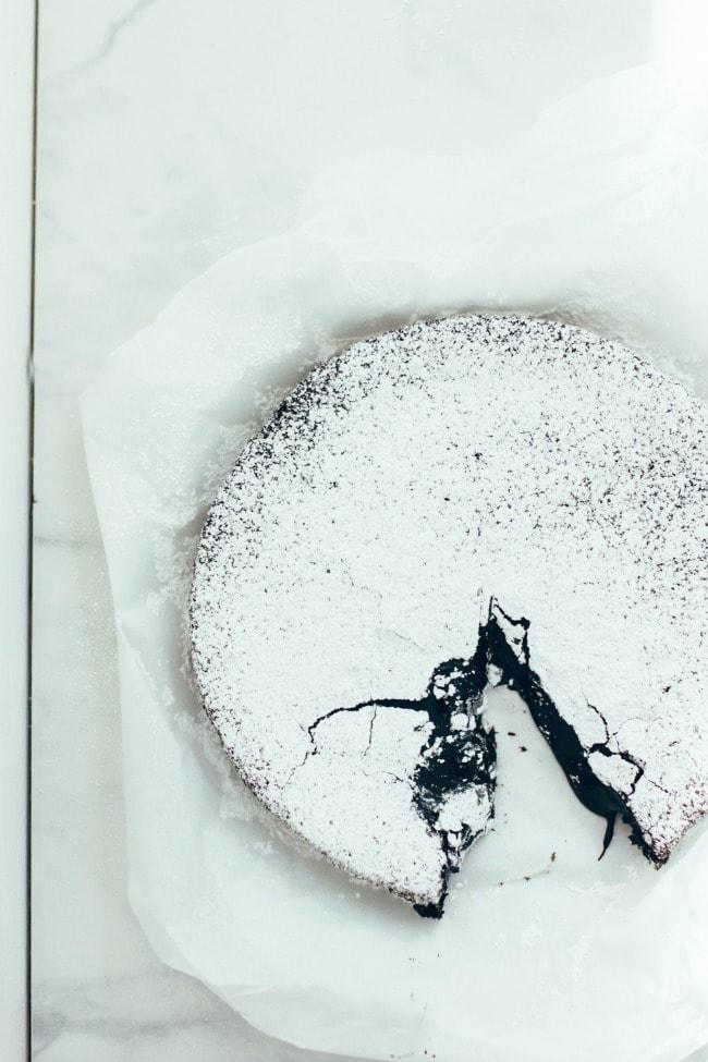 Izy's Swedish Chocolate Cake| The Vanilla Bean Blog