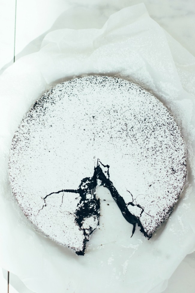 Izy's Swedish Chocolate Cake | The Vanilla Bean Blog
