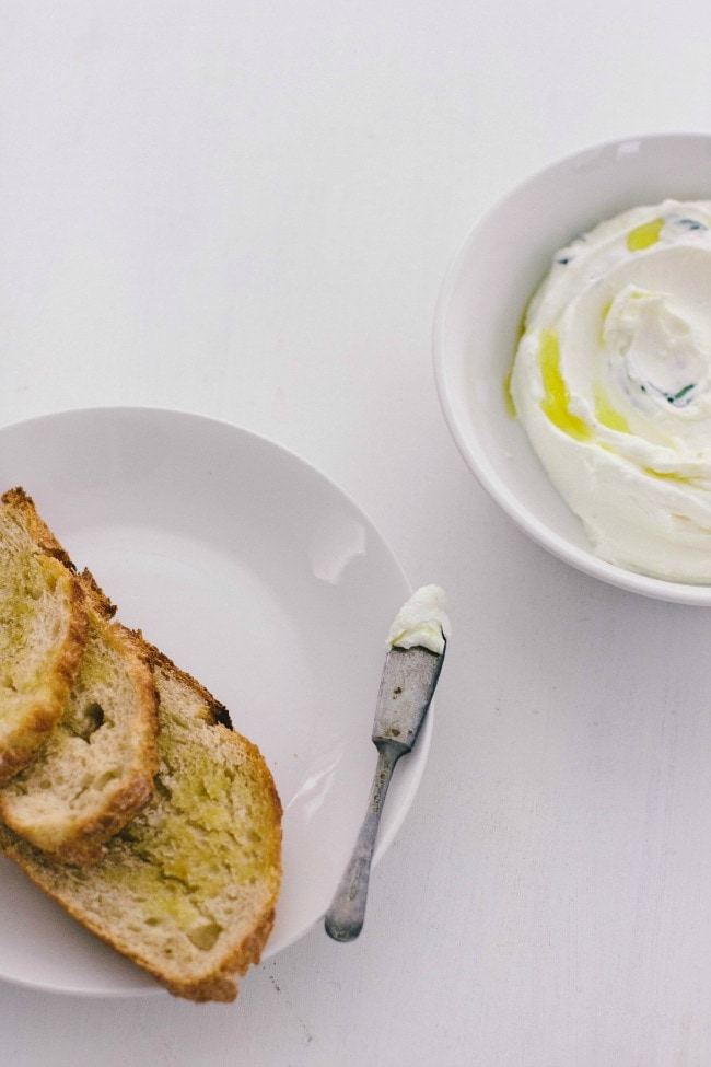 garlic-herb yogurt cheese | the vanilla bean blog