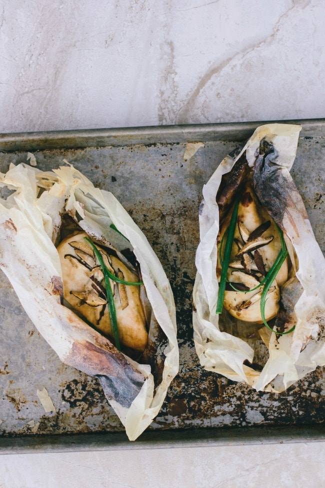 Ginger-scallion chicken in parchment | the vanilla bean blog