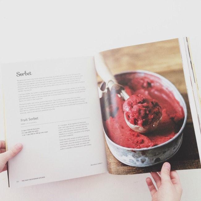The Easy Vegetarian Kitchen by Erin Alderson