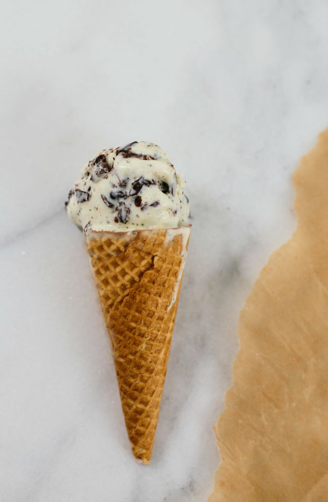no-churn mint ice cream | the vanilla bean blog