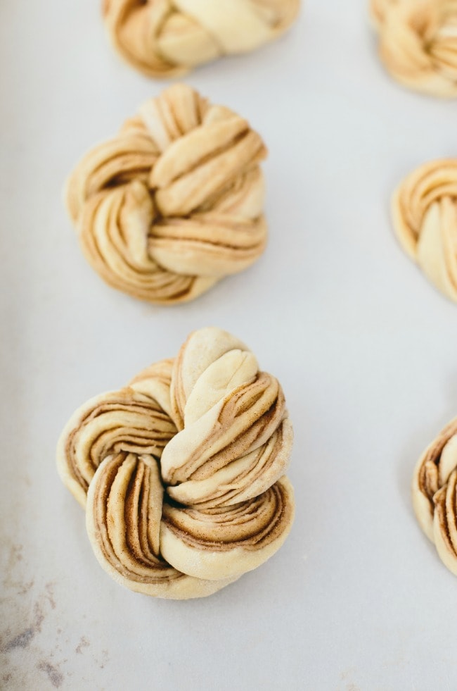 Pumpkin Spice Braided Brioche Knots | The Vanilla Bean Blog | Sarah Kieffer