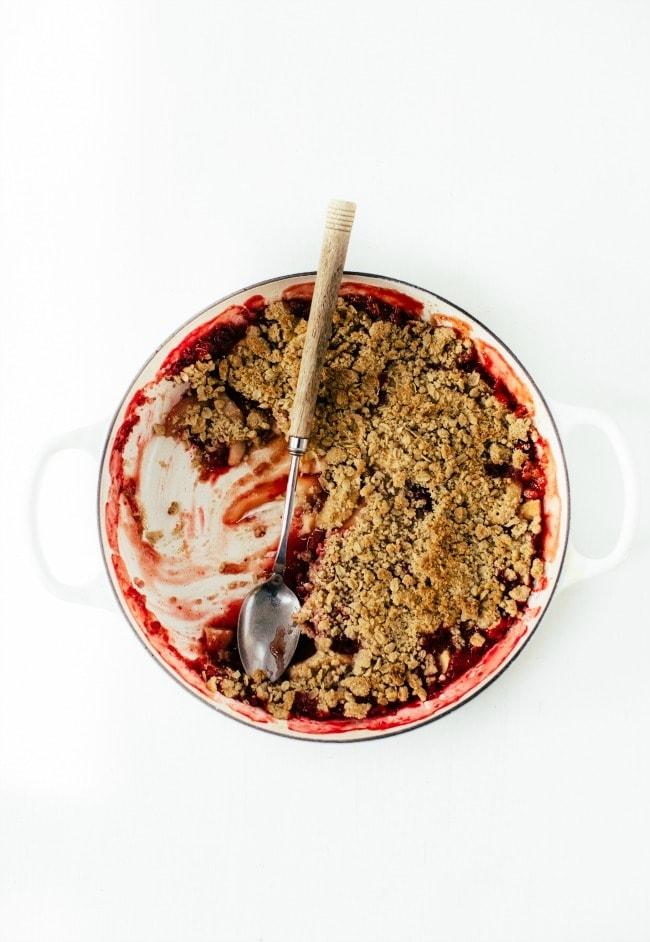 Apple Pear Cranberry Crisp With White Wine   Sarah Kieffer   The Vanilla Bean Blog