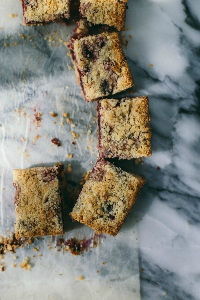Apple Blueberry Crumble Bars | The Vanilla Bean Blog