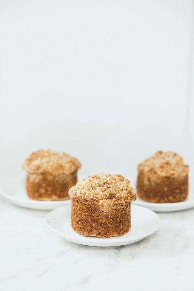 banana poppyseed muffins with hazelnut streusel