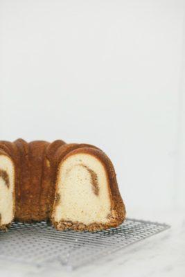 cinnamon streusel swirl cake