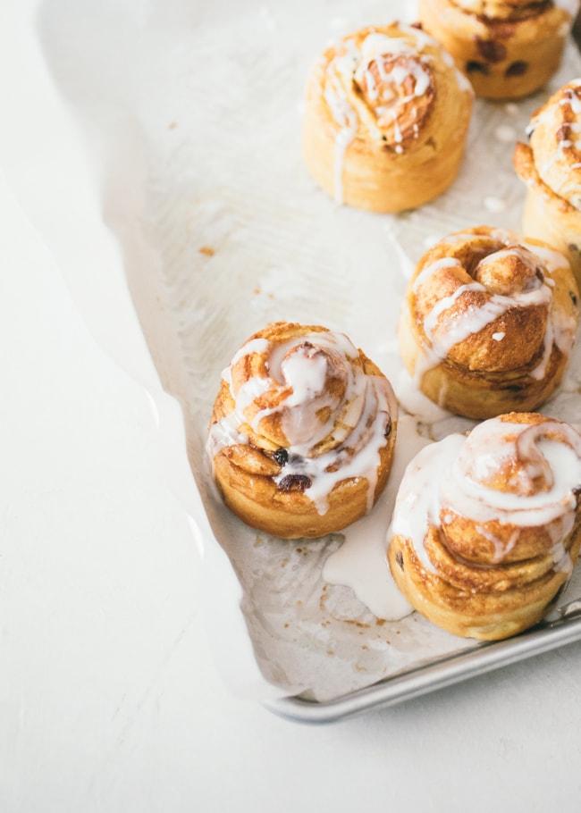panettone swirl buns